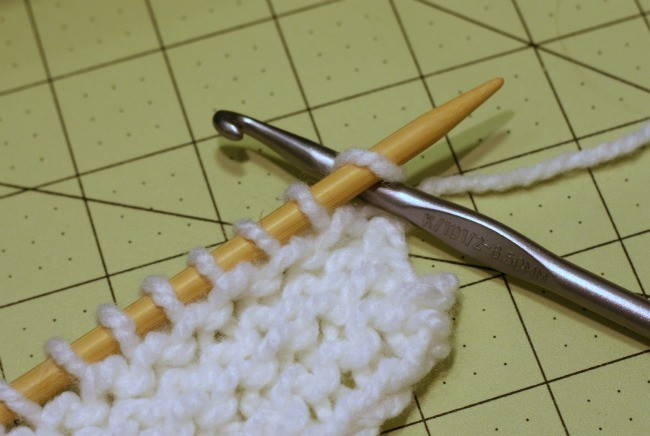 Knitting lessons for crocheters - free tutorial