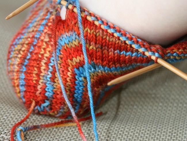 Turn the heel on Skew socks
