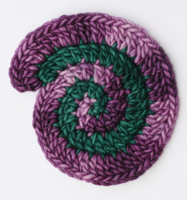 How to Crochet a Two Color Spiral